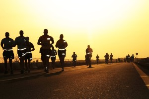 runners-at-sunset